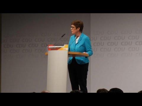 Annegret Kramp-Karrenbauer va-t-elle succéder à Angela Merkel ?