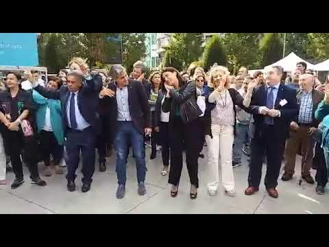 Las autoridades políticas bailan por el Día Mundial de la Salud Mental