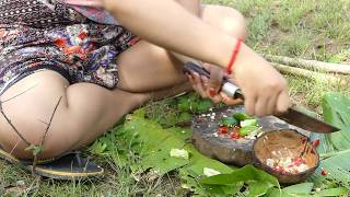 Wild Primitive - Cooking Beef on a Rock in The Jungle