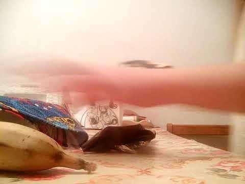 14 окт 2016. Проблемная кожа будет в восторге от ромашки, шалфея и зелёного чая, а также от водного раствора мумиё. Справиться с угревой сыпью будет легче, если добавить в воду для приготовления косметического льда обычную поваренную соль (на стакан кипячёной воды – 1 столовая ложка.