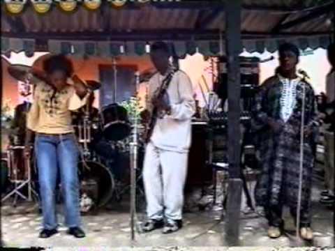 "Oriental Brothers""Onye Ma Azu Uwa"" (part 1)"