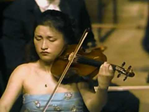 Kyung Wha Chung plays Bach Partita No.2 Sarabande