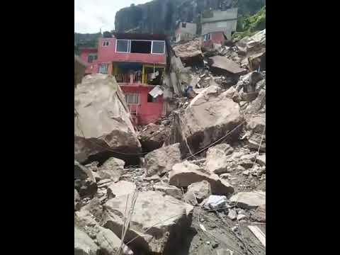 Derrumbe sepulta casas en el cerro del Chiquihuite, Tlalnepantla, Edomex