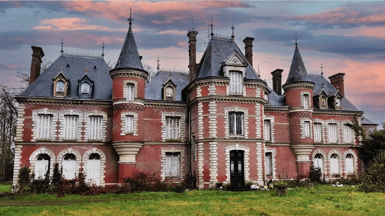 Download Derelict, Abandoned 18th Century Fairy Tale Castle ~ Everything Left Behind!