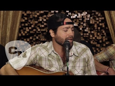 Josh Thompson - A Little Memory | Hear and Now | Country Now