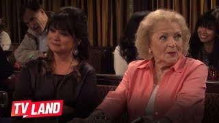 Hot in Cleveland Blooper: Betty White