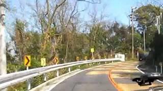 大崩海岸を静岡から、焼津に向かう。 道路が割れていて、エキサイティン...