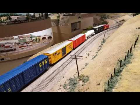Santa Fe FP45 Leads Manifests  - Pacific Coast Lines