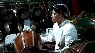 Sindhenan Wangsalan Lancaran, Purwadi