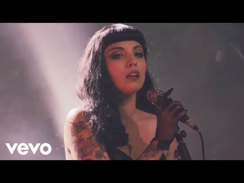 Mon Laferte - Vuelve Por Favor (En Vivo)
