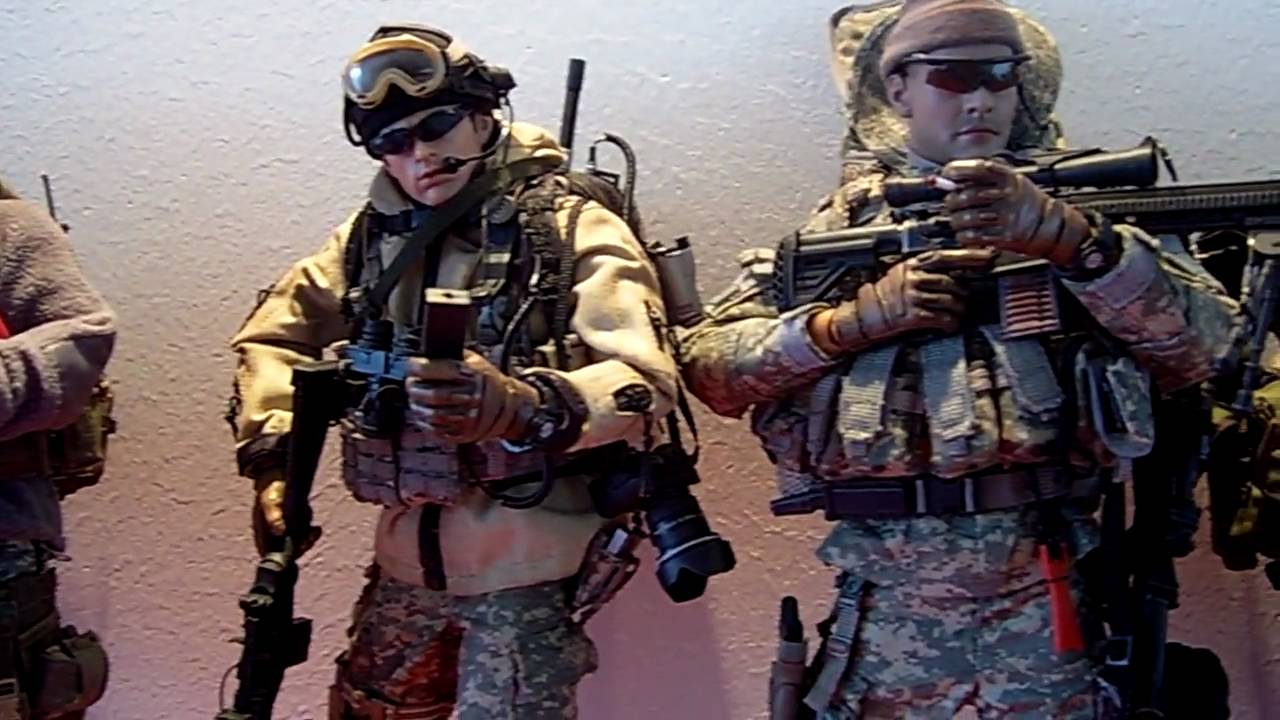 Hot Toys Army 77