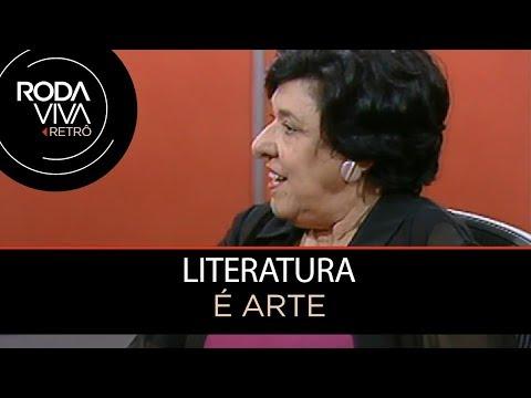 Literatura deve divertir ou formar?