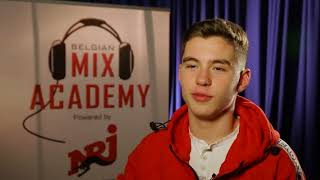 MIX ACADEMY ROYAL VOO
