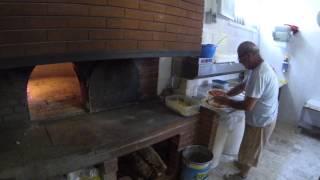 Приготовление пиццы в Италии Алькомо Сицилия Alcamo Italy Итальянская пицца