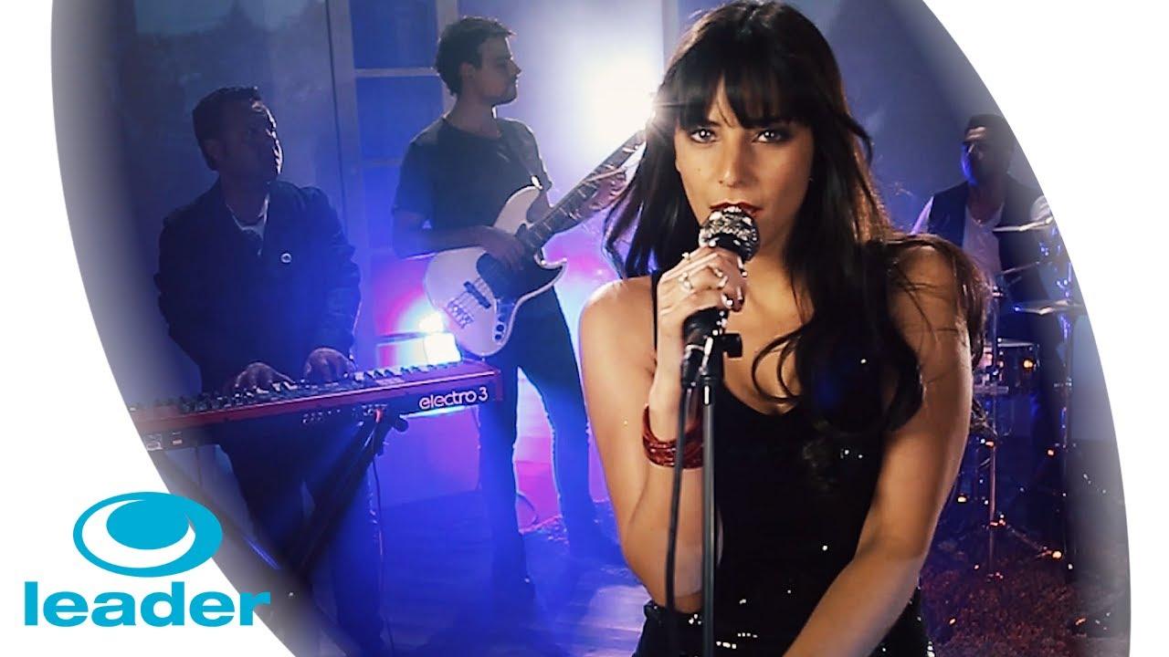 Daniela Castillo - Una Vez Más | Video Oficial - YouTube