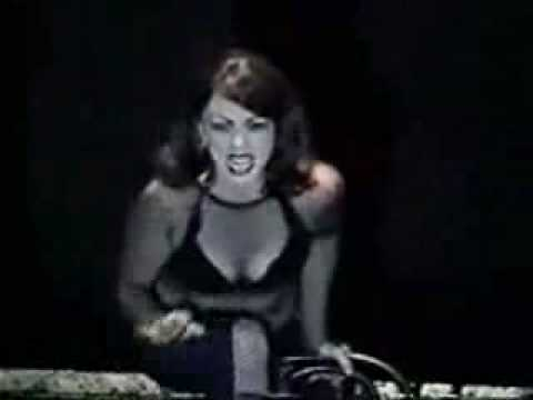 Cell's block tango - Chicago the musical - 2002.mp4