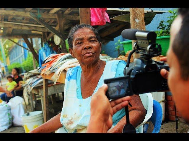 Sixta Tulia Geles, mujer vendedora de pescados.