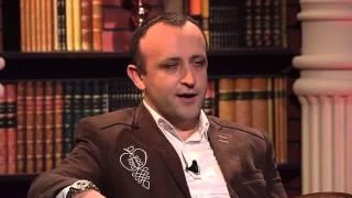 Ondrej Kandráč - Krásna Lúka (Neskoro večer - Talkshow Petra Marcina)