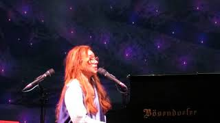 Tori Amos Amsterdam 2017 Beauty Queen horses
