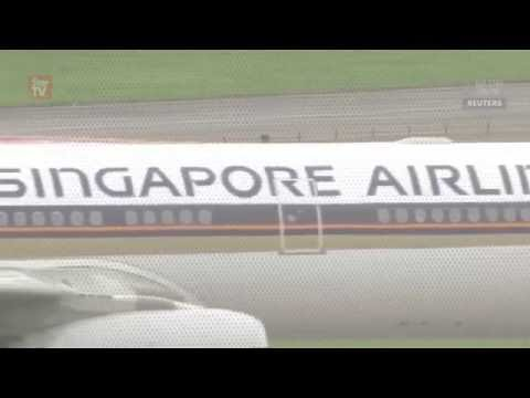Singapore Airlines plane catches fire in emergency landing