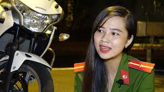 Nữ sinh Cảnh sát lái môtô đặc chủng điêu luyện | DNX