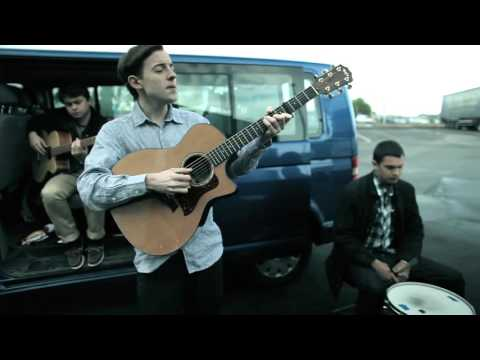 Bombay Bicycle Club - Leaving Blues [Flaws (Deluxe Version)]