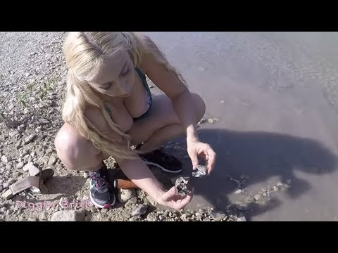 Summer River Metal Detecting with Diggin Britt