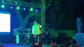 Badi Mushkil hai - Abhijeet Bhattacharya (Live in Concert)