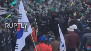 South Korea  Two dead as protests against Park's impeachment turn violent in Seoul
