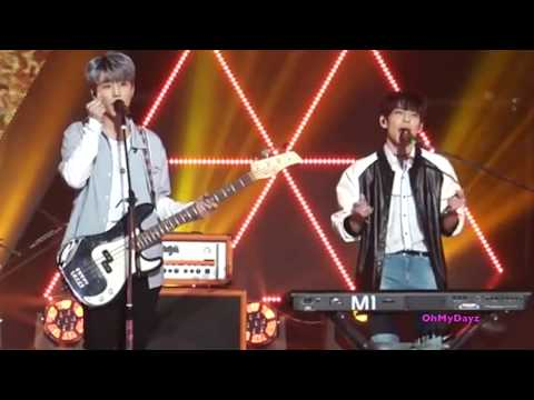DAY6 Wonpil's Keyboard Drops (Young K Doesn't Notice)
