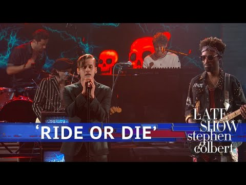 The Knocks ft Foster The People Perform Ride Or Die