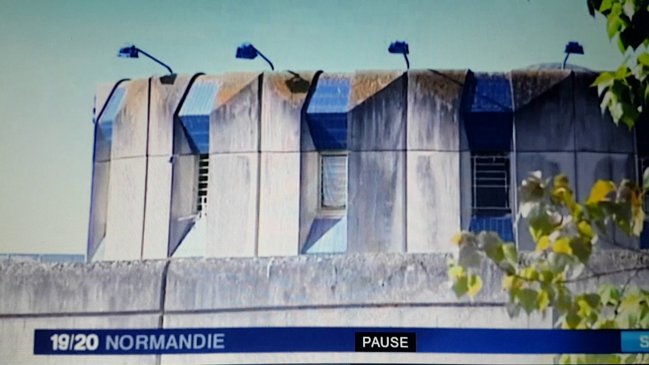 Reportage france 3 mouvement prison val de reuil youtube for Piscine de val de reuil