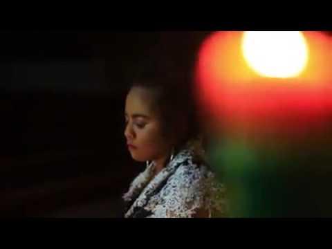 "Alda Almeida  ""Bintang Radio Asean 2016""  Apresenta Musica Natal Holy Night."