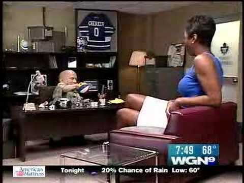 Giant TV Reporter Interview With Mini Me Verne Troyer   YouTube