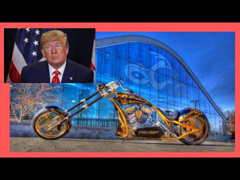 NEW YORK CITY: DONALD TRUMP'S golden HARLEY at the TRUMP TOWER (USA)