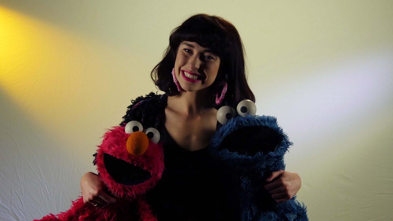 Kimbra - Kimbra & Cookie Monster - YouTube