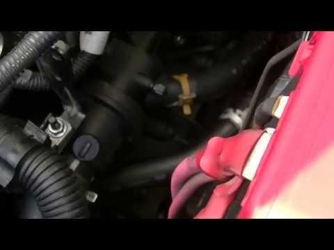 Замена прокладки корпуса термостата на Рено Меган 2
