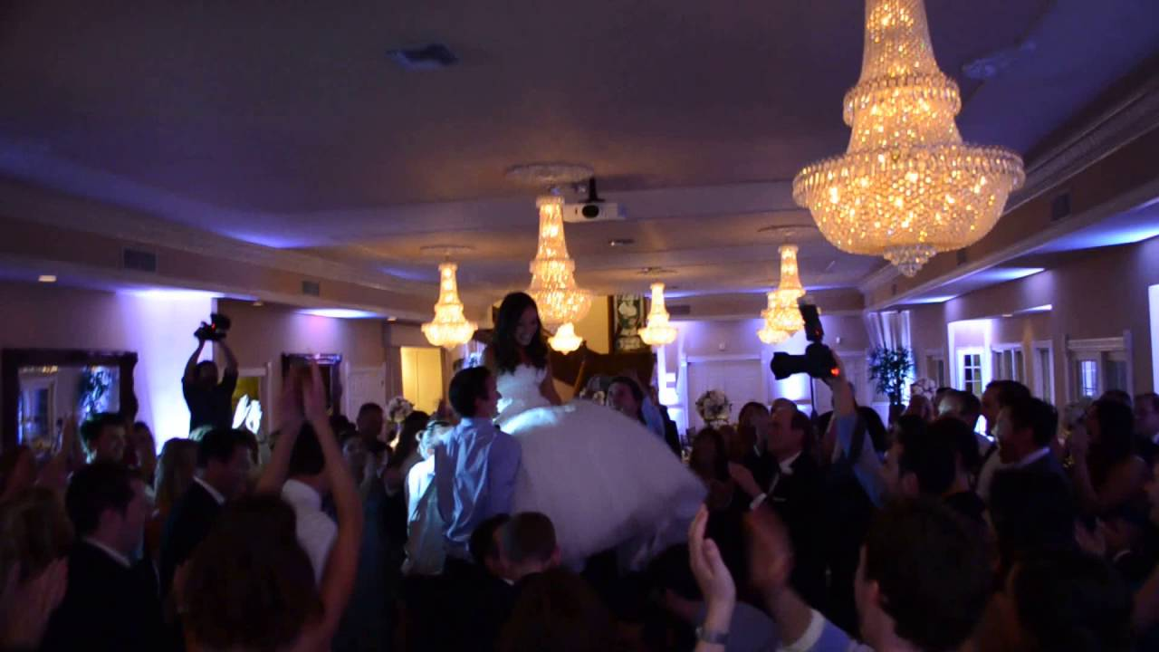 Hora Circle Dance At A Grand Tradition Estate Wedding