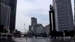 BUS TINGKAT - 18-16A - LSPR Jakarta