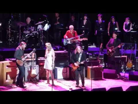 Love Rocks ft. Warren Haynes, Derek Trucks, Susan Tedeschi - Space Captain - 3-9-17 Beacon Theatre