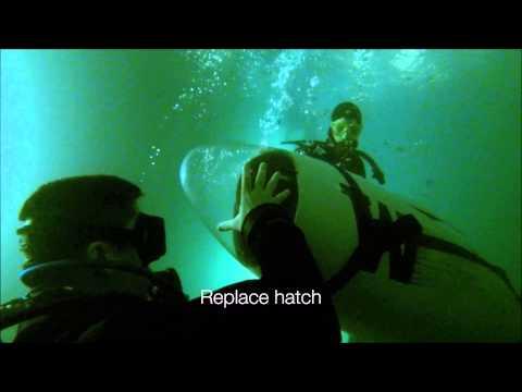 how to become a submarine pilot