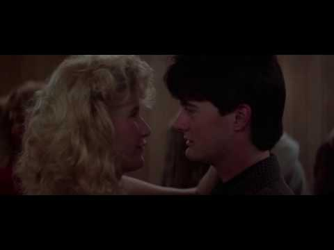 Blue Velvet dance sequence rescored with Song to the Siren by This Mortal Coil