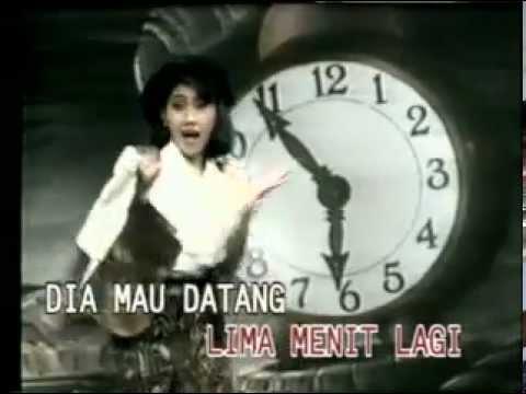 LIMA MENIT LAGI - INE SINTHYA - YouTube.flv sity.galek
