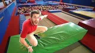 Crazy Trampoline Park Obstacle Course!