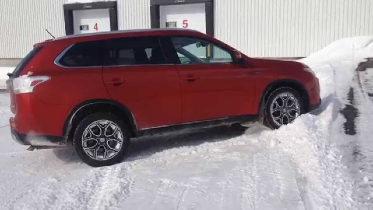 2015 Mitsubishi Outlander Gt 3 0 V6 S-Awc diagonal test on ice and snow