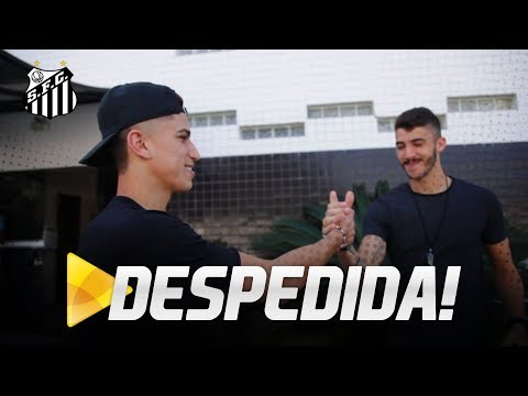 VITOR BUENO SE DESPEDE DE COMPANHEIROS, NO CT REI PELÉ
