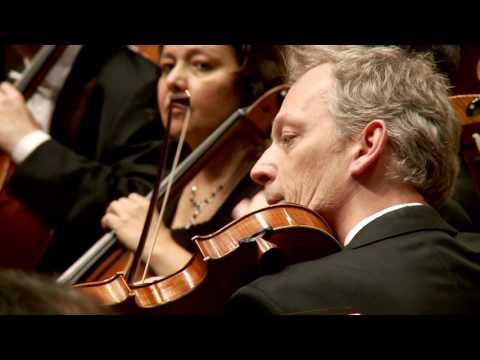 Mozart: Symphony No. 39 - Dima Slobodeniouk - Sinfónica de Galicia