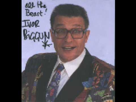 Ivor Biggun - Dorothy Please Trim Your Hinge (misprint)