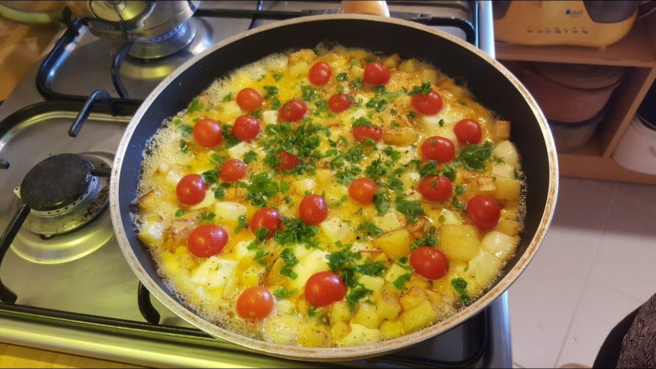 Mükemmel bir kahvaltılık patatesli kaşarlı omlet