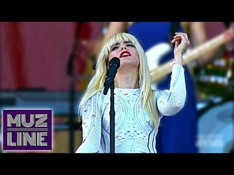 Paloma Faith - New Orleans Jazz & Heritage Festival 2015